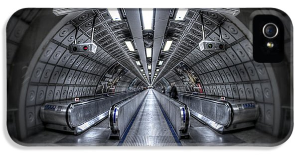 Through The Tunnel IPhone 5 / 5s Case by Evelina Kremsdorf