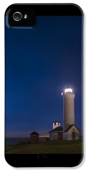 Foghorn iPhone 5 Cases - Tibbets Point Light Night iPhone 5 Case by Mark Papke
