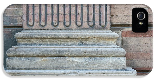 Toulouse Building Fragment IPhone 5 / 5s Case by Elena Elisseeva
