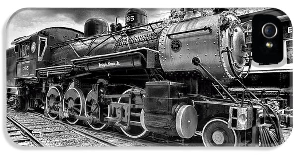 Train - Steam Engine Locomotive 385 In Black And White IPhone 5 / 5s Case by Paul Ward