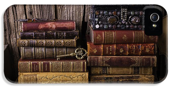 Treasure Box On Old Books IPhone 5 / 5s Case by Garry Gay