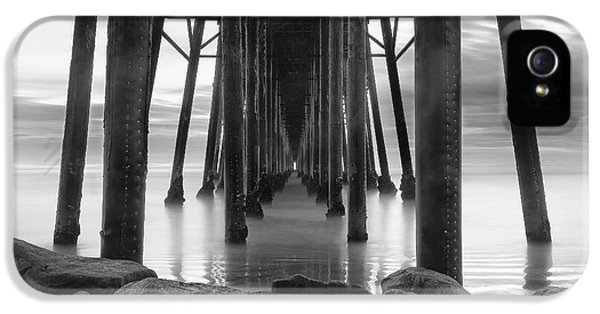 B iPhone 5 Cases - Tunnel of Light - Black and White iPhone 5 Case by Larry Marshall