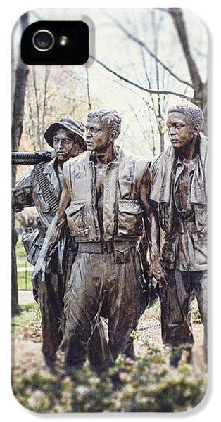 Vietnam Memorial iPhone 5 Cases - Vietnam Veterans Statue iPhone 5 Case by Lisa Russo