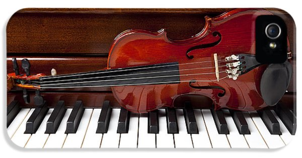 Violin On Piano IPhone 5 / 5s Case by Garry Gay