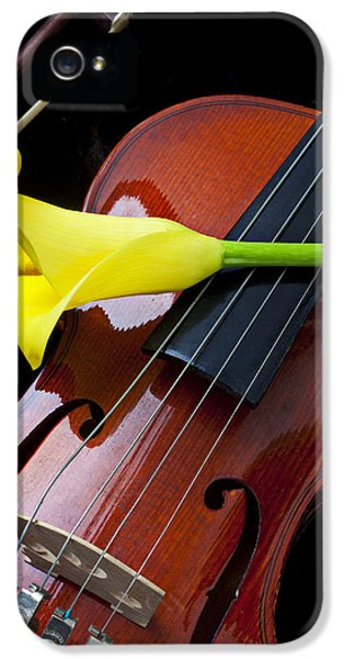 Violin With Yellow Calla Lily IPhone 5 / 5s Case by Garry Gay