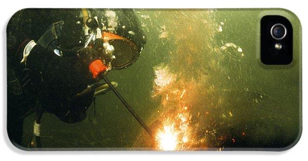 Sparking iPhone 5 Cases - Welding Underwater iPhone 5 Case by Peter Scoones