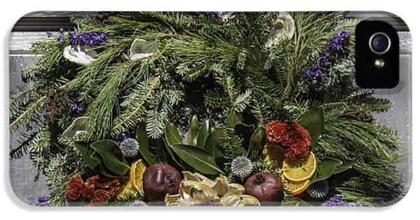 Williamsburg Wreath 20 IPhone 5 / 5s Case by Teresa Mucha