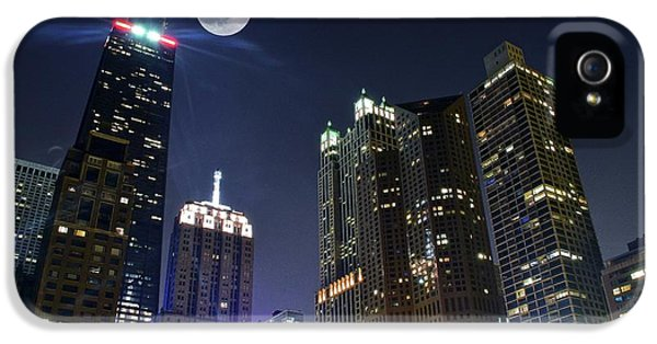 Chicago Skyline iPhone 5 Cases - Windy City iPhone 5 Case by Frozen in Time Fine Art Photography