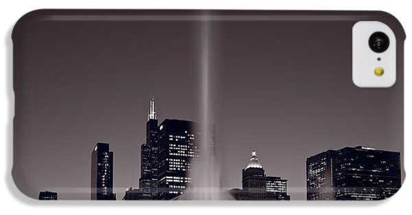 Buckingham Fountain Nightlight Chicago Bw IPhone 5c Case by Steve Gadomski