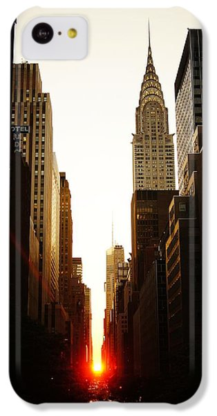 Manhattanhenge Sunset And The Chrysler Building  IPhone 5c Case by Vivienne Gucwa