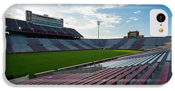 Owen Field  IPhone 5c Case by Nathan Hillis