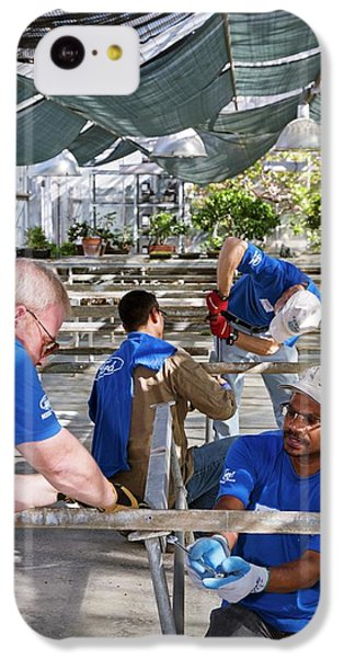 Volunteers At A Botanic Garden IPhone 5c Case by Jim West