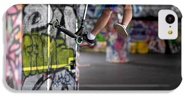 Airborne At Southbank IPhone 5c Case by Rona Black