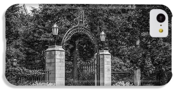 University Of Chicago Hull Court Gate IPhone 5c Case by University Icons