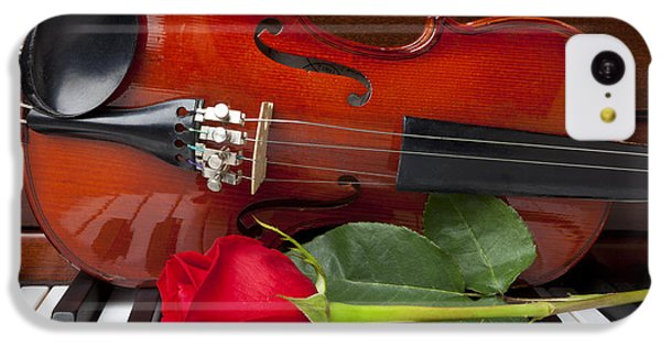 Violin With Rose On Piano IPhone 5c Case by Garry Gay