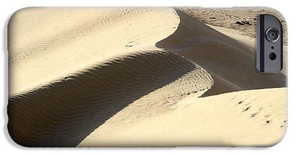 Sanddunes iPhone Cases - Deset sand dune iPhone Case by Vladi Alon