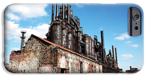 Foto iPhone Cases - Abandoned Bethlehem Steel iPhone Case by John Rizzuto