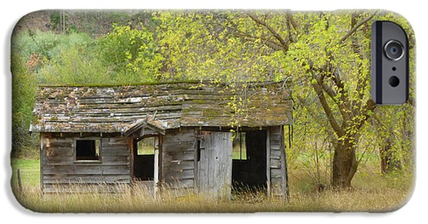 Old Barns Pyrography iPhone Cases - Abandoned House iPhone Case by Tresa Burnett