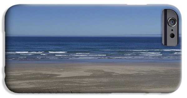 Agate Beach Oregon iPhone Cases - Agate Beach Lookout iPhone Case by Thaimi Mayes