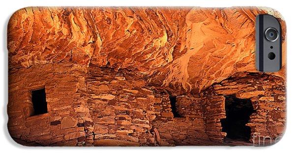 Pueblo Architecture iPhone Cases - Anasazi  Cliff Dwelling iPhone Case by Robert Bales