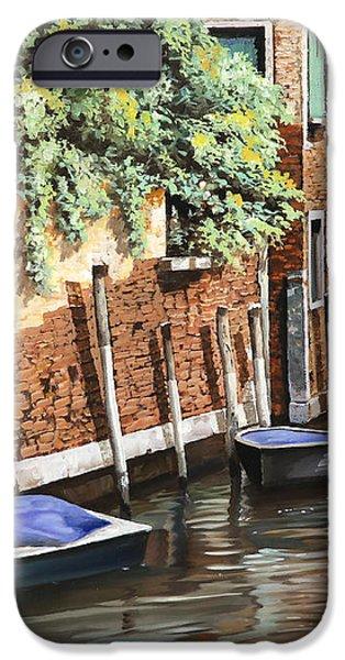 barche a venezia iPhone Case by Guido Borelli