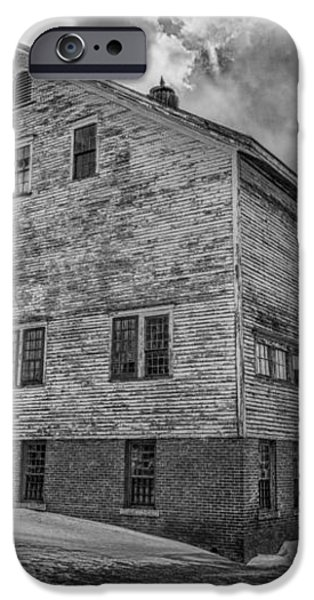Barn at AMHI   7K00333 iPhone Case by Guy Whiteley