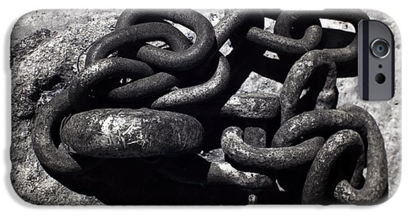 Chain-ring iPhone Cases - Boat Chain iPhone Case by John Rizzuto
