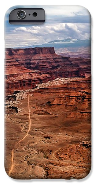 Canyonland iPhone Case by Robert Bales