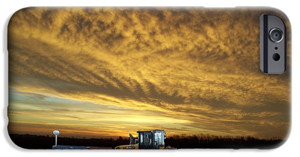 Central Il iPhone Cases - End of the Work Day Digital Art iPhone Case by Thomas Woolworth