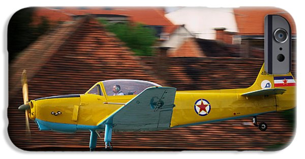 Jet Star iPhone Cases - Flying low iPhone Case by Ivan Slosar
