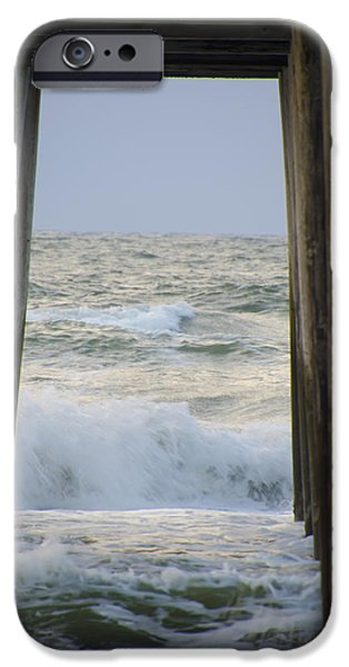 Incoming Tide iPhone Cases - Incoming Tide at 32nd Street Pier Avalon New Jersey iPhone Case by Bill Cannon