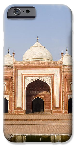India, Next To Taj Mahal Agra, Taj iPhone Case by Bill Bachmann