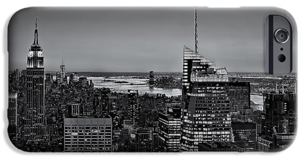 Building iPhone Cases - Manhattan Sunset BW iPhone Case by Susan Candelario