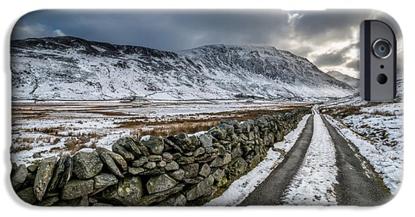 Sun Rays Digital Art iPhone Cases - Nant Ffrancon Pass iPhone Case by Adrian Evans