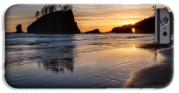 Washington Photographs iPhone Cases - Second Beach Tranquility iPhone Case by Mike Reid