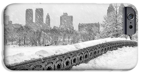 Snow iPhone Cases - Snow In Central Park NYC iPhone Case by Susan Candelario