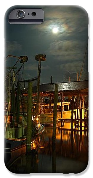 Super Moon at Nelsons iPhone Case by Michael Thomas