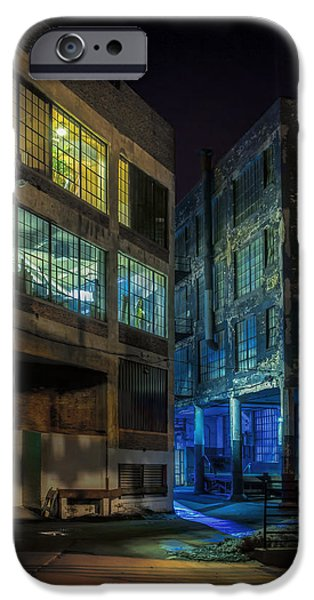Alley Photographs iPhone Cases - Third Ward Alley iPhone Case by Scott Norris