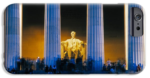 Lincoln iPhone Cases - Tourists At Lincoln Memorial iPhone Case by Panoramic Images