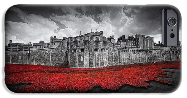World War One Photographs iPhone Cases - Tower of London Remembers iPhone Case by Ian Hufton