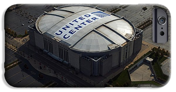 Central Il iPhone Cases - United Center Chicago Sports 09 iPhone Case by Thomas Woolworth
