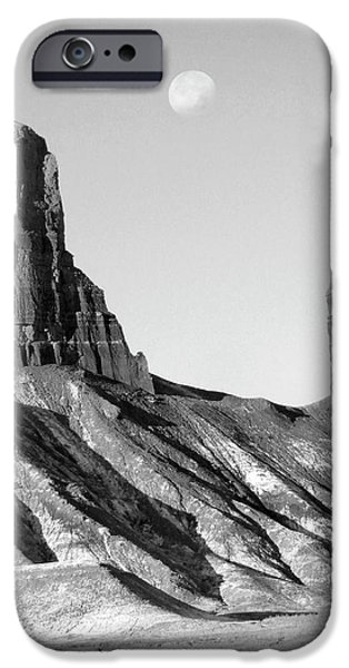 Utah Outback 21 iPhone Case by Mike McGlothlen