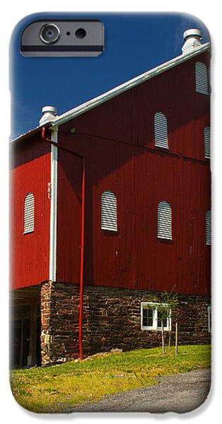 Virginia Red Barn iPhone Case by Guy Shultz