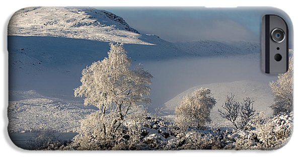 Highlands Digital iPhone Cases - Winters Icy Grip iPhone Case by Pat Speirs