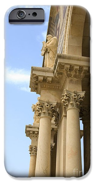 Psi iPhone Cases - facade of Church of all Nations Jerusalem iPhone Case by Ilan Rosen