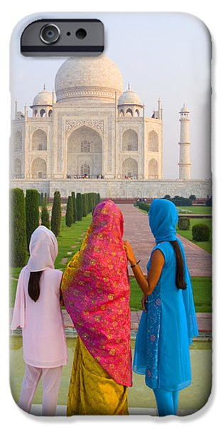 Hindu women at the Taj Mahal iPhone Case by Bill Bachmann - Printscapes