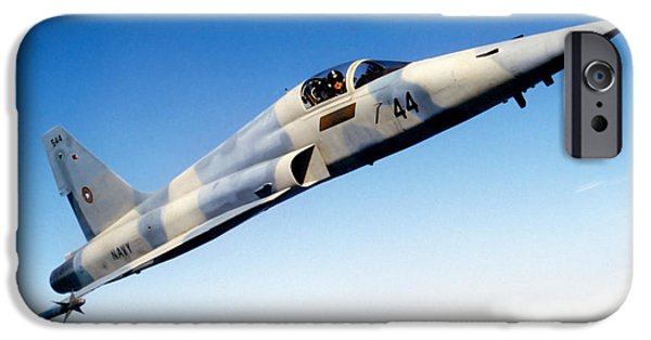 The Tiger iPhone Cases - An F-5e Tiger Ii In Flight iPhone Case by Dave Baranek