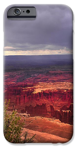 Approaching Storm  iPhone Case by Robert Bales