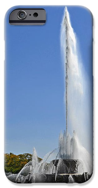 Buckingham Fountain - Chicago's Iconic landmark iPhone Case by Christine Till