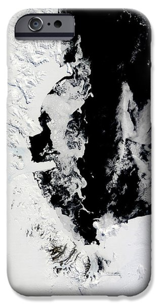 January 18, 2010 - Ross Sea, Antarctica iPhone Case by Stocktrek Images